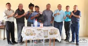 Prefeito Clebel Cordeiro junto com o deputado Federal Adalberto Cavalcanti faz entrega de trator na comunidade de Poço da Pedra em Conceição das Crioulas