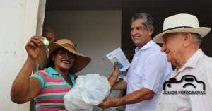 Momento de entrega das chaves de 878 casas do Propgrama Minha casa Minha Vida