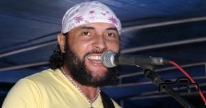 Foliões curtem 2º dia do carnaval de Salgueiro com atrações no polo Bomba e trio com a banda Voa Voa