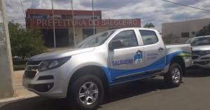 Prefeitura de Salgueiro entrega mais duas caminhonetes à população