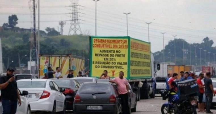 Anistia Internacional condena uso de força contra protestos de caminhoneiros