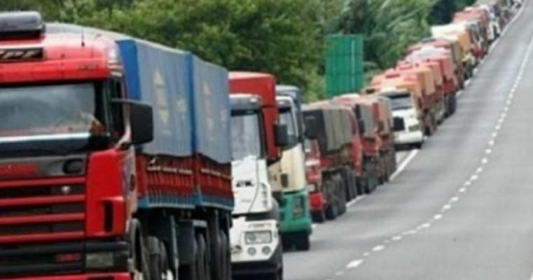 Greve de caminhoneiros: PRF prepara grande operação para desbloquear estradas