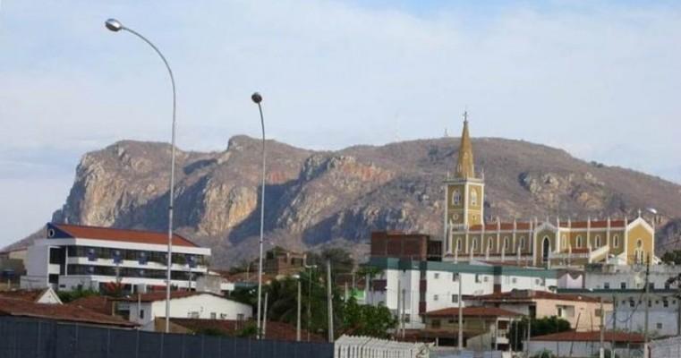 Prefeitura e Câmara de Serra Talhada abrem inscrições de concurso público