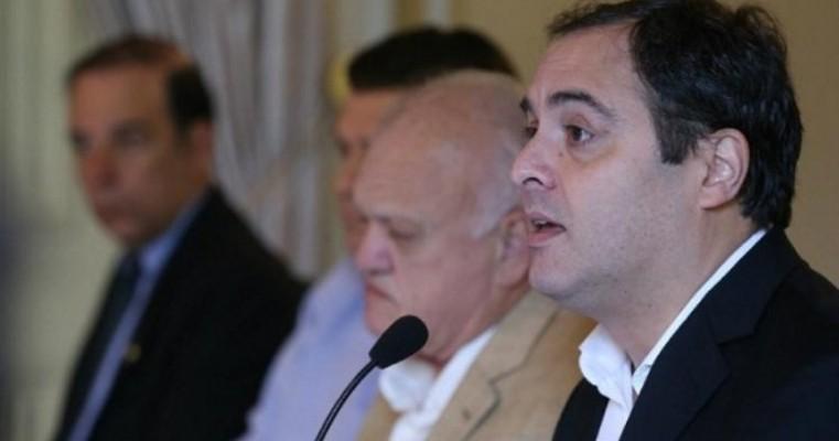 Paulo Câmara decreta cinco dias de luto oficial pela morte de Uchoa