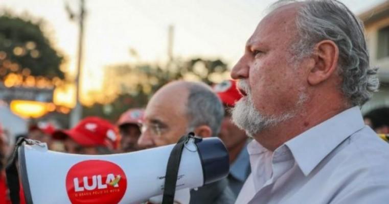 Apoiadores de Lula iniciarão greve de fome, diz líder do MST