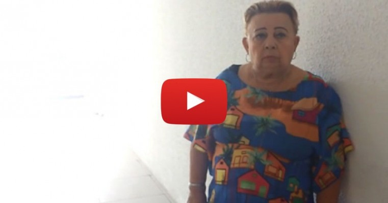 Idosa de 70 anos se esconde em banheiro de fórum para ver Safadão e é retirada do local
