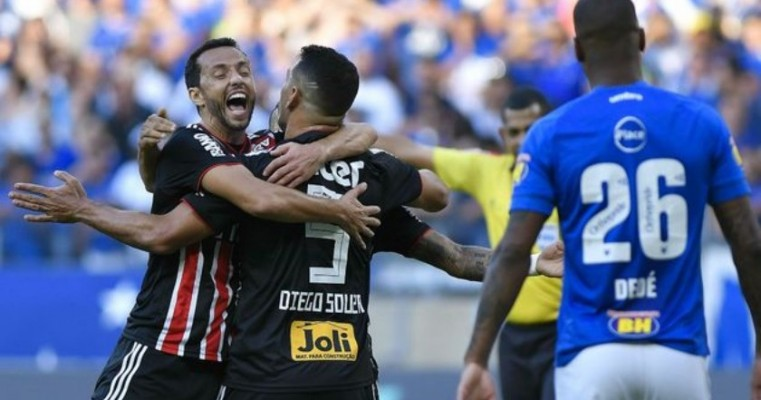 Letal no contra-ataque, São Paulo derrota o Cruzeiro ao som de 'o Mineirão é nosso'