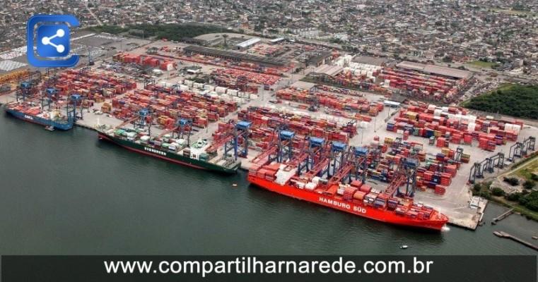 Porto: Câmeras flagram 1.200 kg de cocaína sendo embarcados em navio em Santos