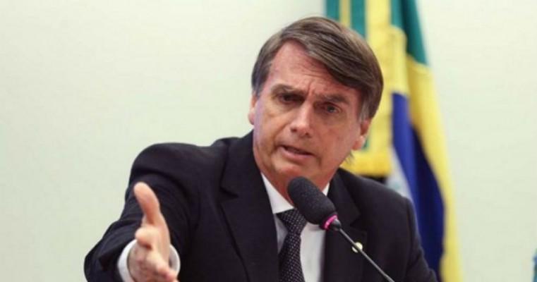Bolsonaro defende educação à distância desde o ensino fundamental