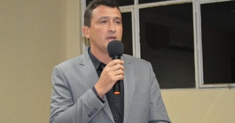 Cabrobó: O lampião da CASA de LEIS, um amante das redes sociais
