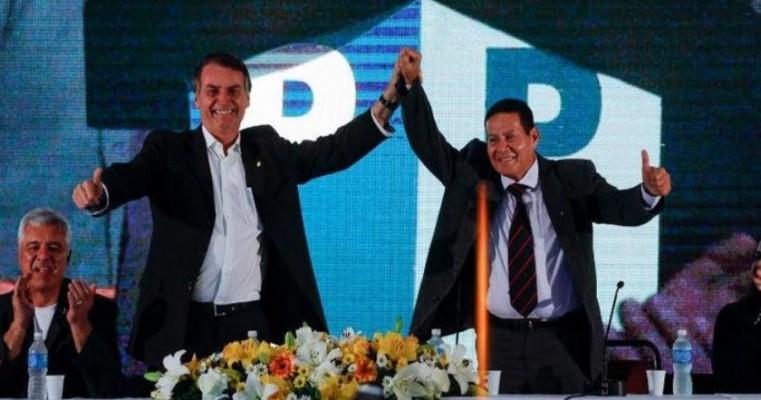 ONG pede abertura de investigação por racismo contra Mourão, vice de Bolsonaro
