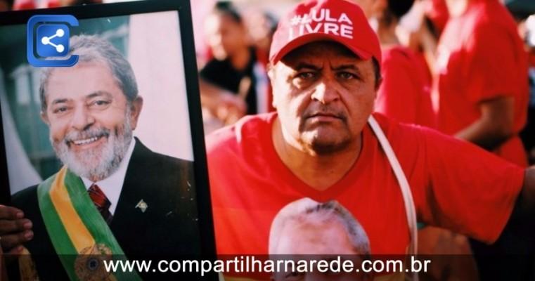 Eleições 2018: PT registra candidatura de Lula
