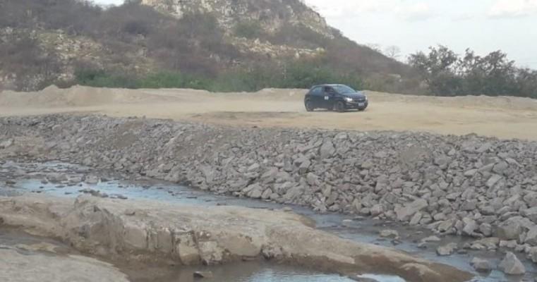 Risco de rompimento num reservatório da transposição leva MI a evacuar a Vila de Negreiros em Salgueiro