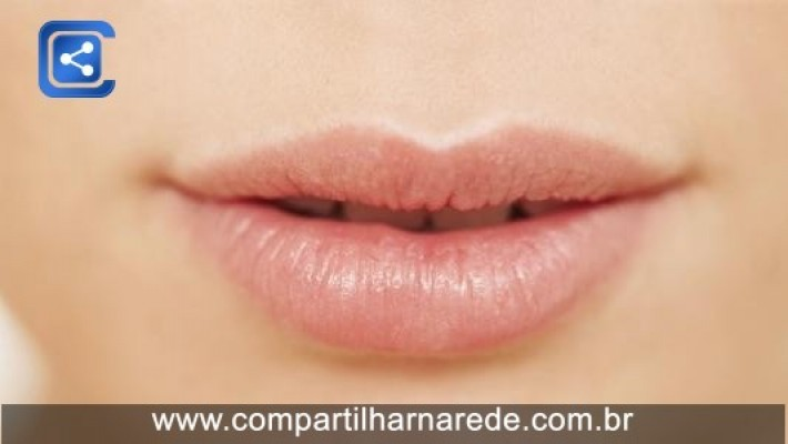 Tempo seco e até saliva podem ressecar os lábios; veja como hidratá-los