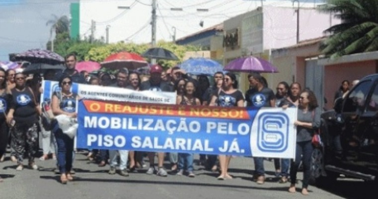 Agentes de Saúde e de Endemias de Ouricuri protestam contra veto de Michel Temer a reajuste da categoria