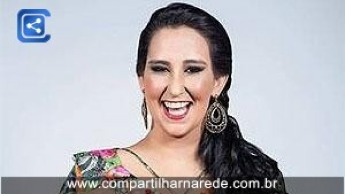 """Fabíola Gadelha perde 25 kg e vira modelo plus size: """"excesso de gostosura"""""""