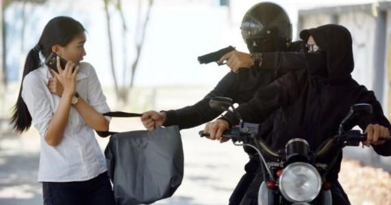 Motoqueiros armados atacam universitária em Serra Talhada, PE