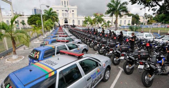 'Há 100 policiais fantasmas, mas ninguém investiga', diz ex-secretário