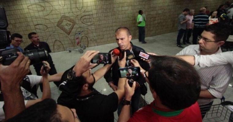 Motivado, Milton Mendes valoriza elenco e prega união no Sport