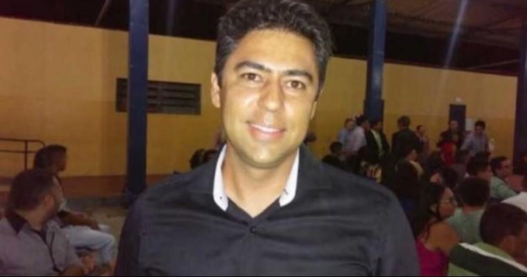 Pai mata o próprio filho, o ex-prefeito de Baraúnas, com um tiro ao confundi-lo com um assaltante na PB