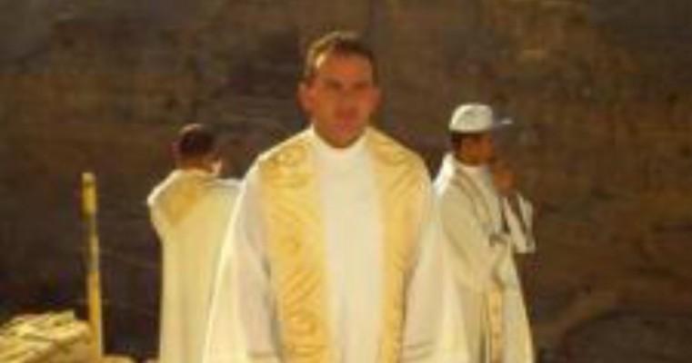 Bactéria mata um dos padres mais jovens do Sertão do Pajeú