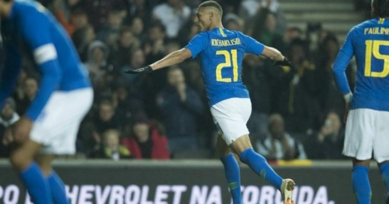 Seleção se despede de 2018 com vitória modesta sobre Camarões