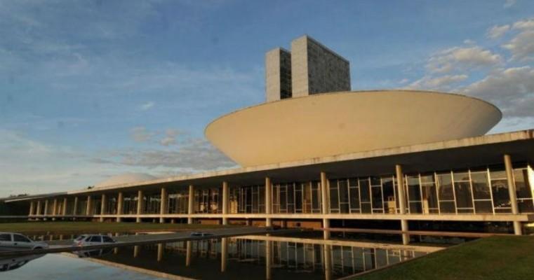 Câmara aprova projeto que afrouxa Lei de Responsabilidade Fiscal para municípios