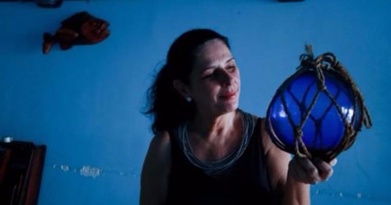 Renata Ramos inaugura exposição de gravuras