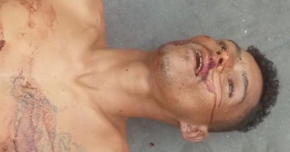 Petrolina PE - Corpo de Morador de Rua Encontrado Morto a Facadas no Posto Orla