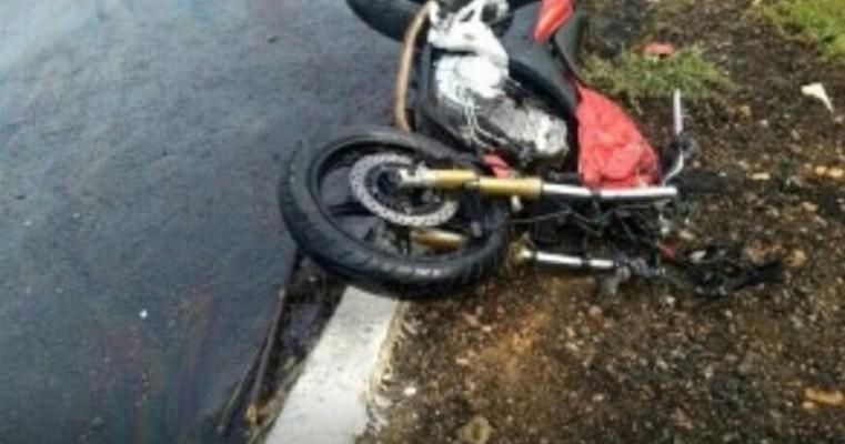 Serra Talhada PE – Acidente de Moto na BR-232, Moto Colidi com Ônibus Coletivo