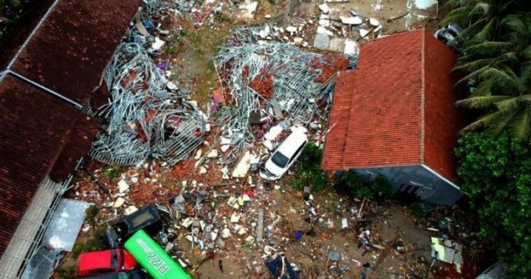 Tsunami na Indonésia deixa mais de 200 mortos e ao menos 700 feridos