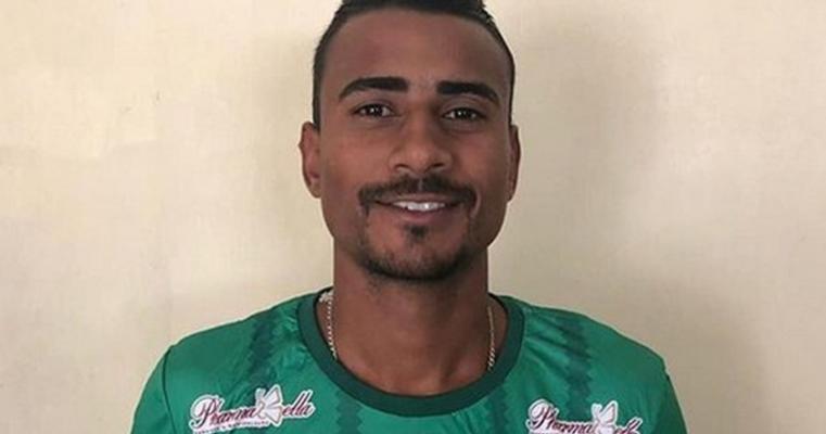Salgueiro acerta com o lateral-esquerdo Léo Carioca, ex-Treze