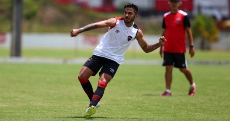 Náutico contrata argentino que jogou na reabertura dos Aflitos