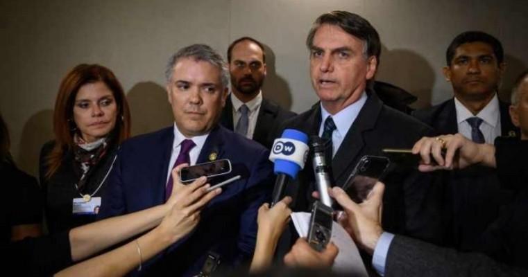 Bolsonaro muda o tom e diz que pressão sobre Flávio é para atingi-lo