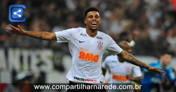 Corinthians bate São Paulo e mantém tabu em Itaquera, em clássico decidido por Gustagol e com polêmicas