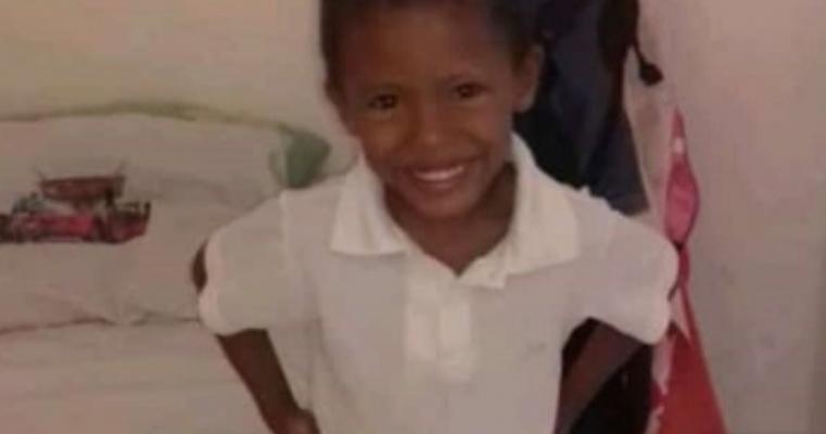 Tragédia, Criança de 4 anos morre afogada em clube de Petrolina
