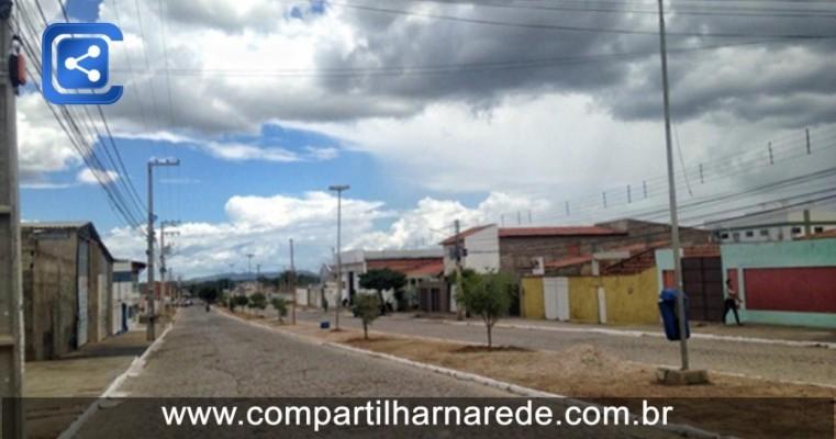 Prefeitura realiza serviços de reparo e manutenção de vias no município