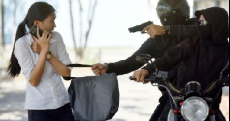Advogada é ferida a bala durante assalto em Serra Talhada, PE; bandidos fogem sem deixar pistas