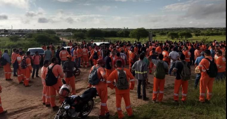 Penaforte-CE , Fucionarios da Ferreira Guedes entram em greve por seus direitos.
