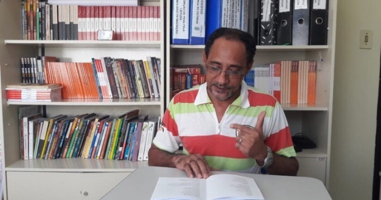 Ex-detento vira poeta e deixa Presídio de Salgueiro com um livro lançado