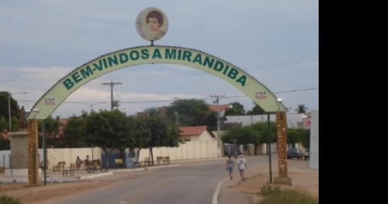 Homem é espancado no centro de Mirandiba-PE