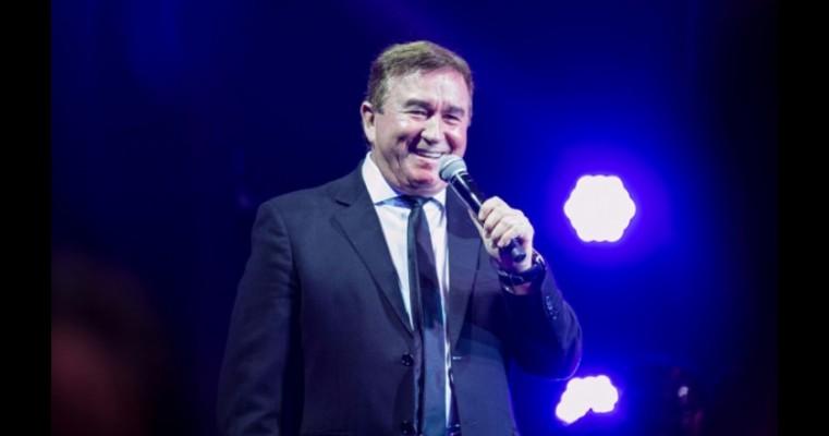 Avião com o cantor Amado Batista faz pouso de emergência em Jequié