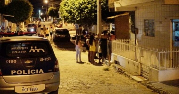 Homem é morto a facadas no bairro Bom Jesus, em Serra Talhada, no Sertão