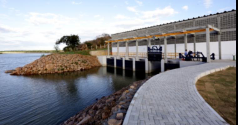 Canal do Eixo Leste da Transposição do Rio São Francisco volta a bombear água para a Barragem de Moxotó,em Sertânia