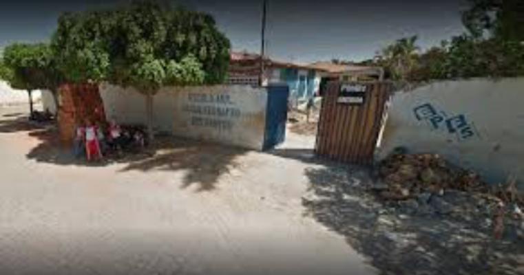 Salgueiro – Filha não chega em casa e mãe agride mulheres na Escola Paulo Fernando
