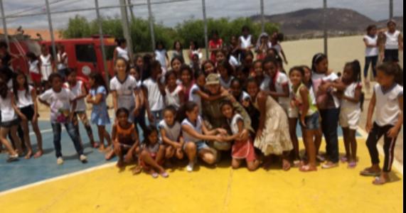 Corpo de Bombeiros realiza ação social na Escola Antônio Viera de Barros