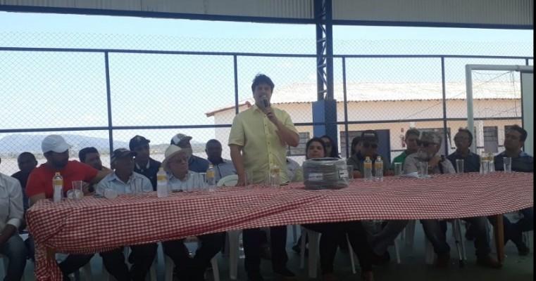 Deputado Lucas Ramos e a prefeita Aline Freire entregam 40 kits de irrigação por gotejamento para agricultores Terranovenses