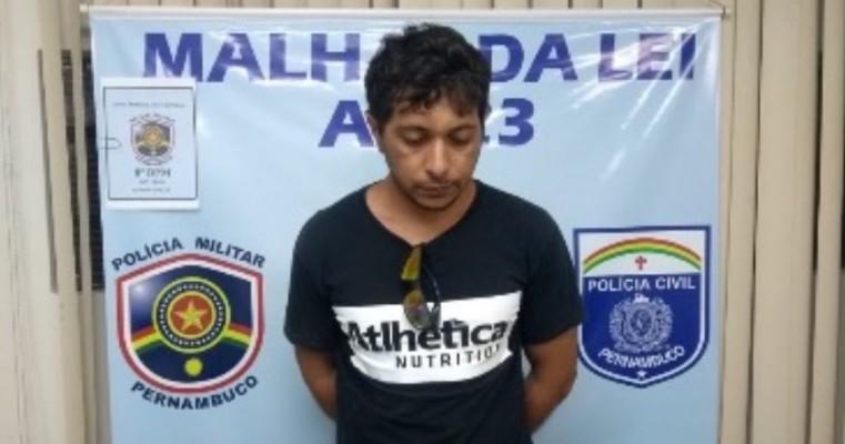 Salgueiro – Policiais Militares do 8° BPM e Policiais Civis da 23° DESEC cumprem mandado de prisão contra cantor traficante