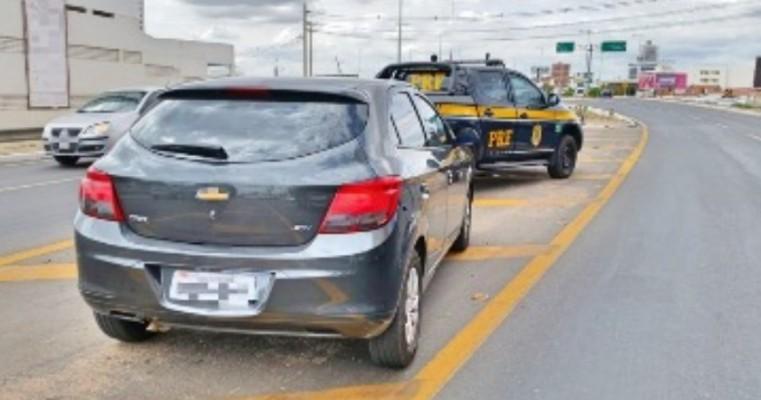 Homem é detido com carro de locadora irregular em Petrolina