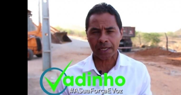 """Ex vereador Vadinho consegue retirada de entulhos do Residencial Santo Antonio """"Barriguda"""" ."""